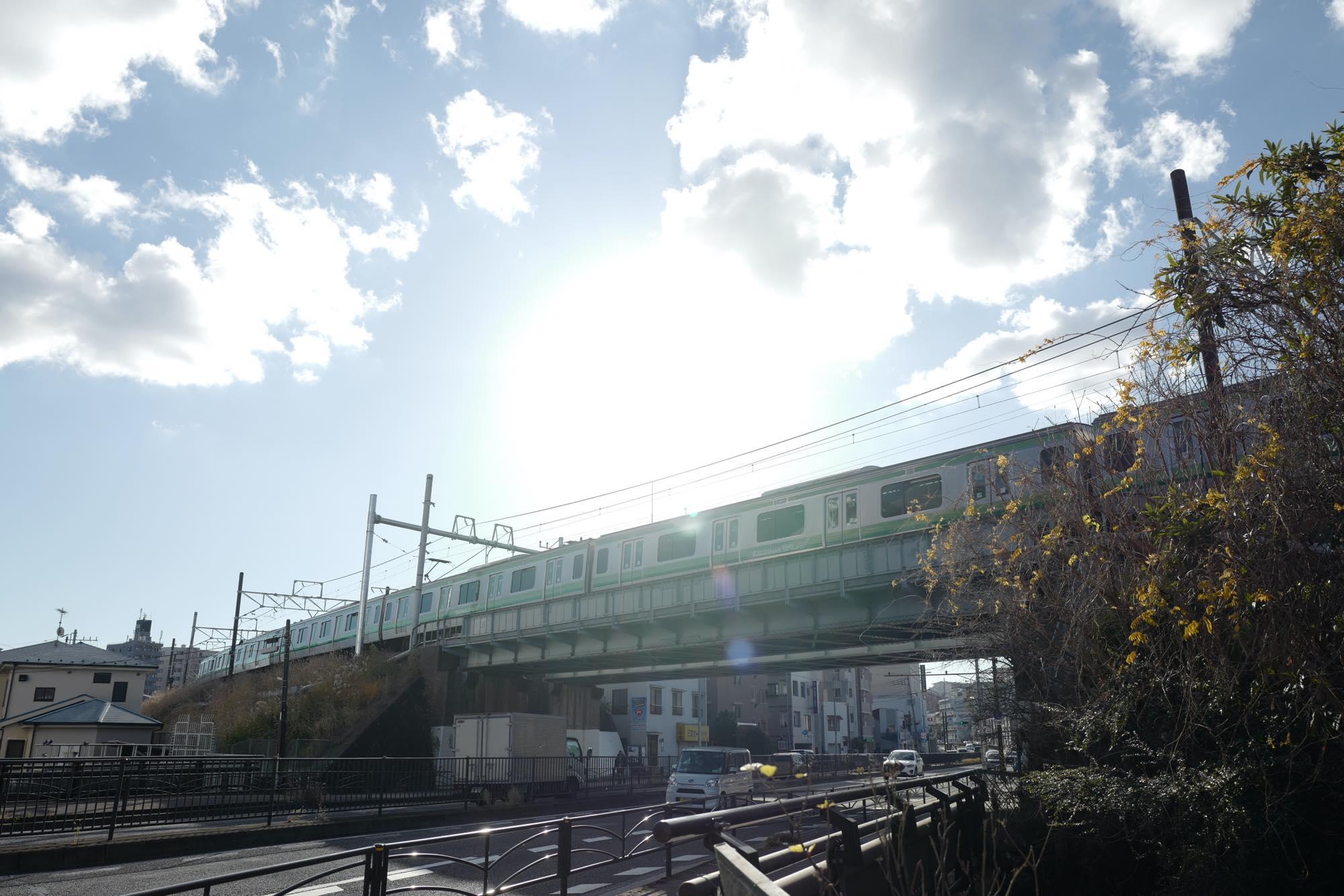 夕陽に照らされる横浜線